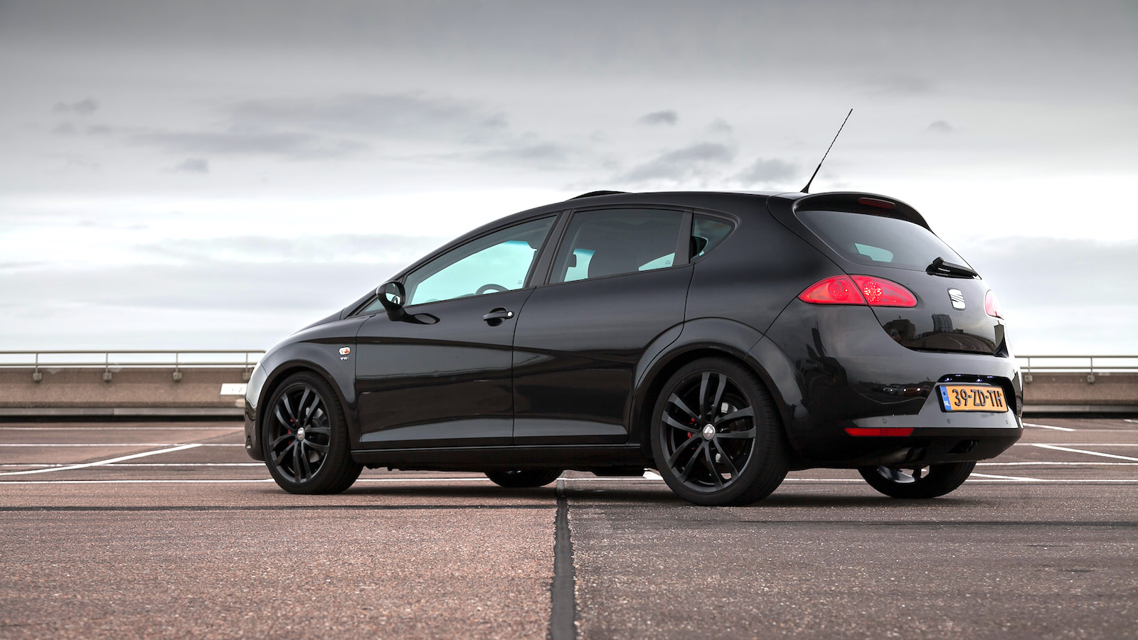 seat leon 1 4 tsi sport up handgeschakeld distinctive mobility. Black Bedroom Furniture Sets. Home Design Ideas