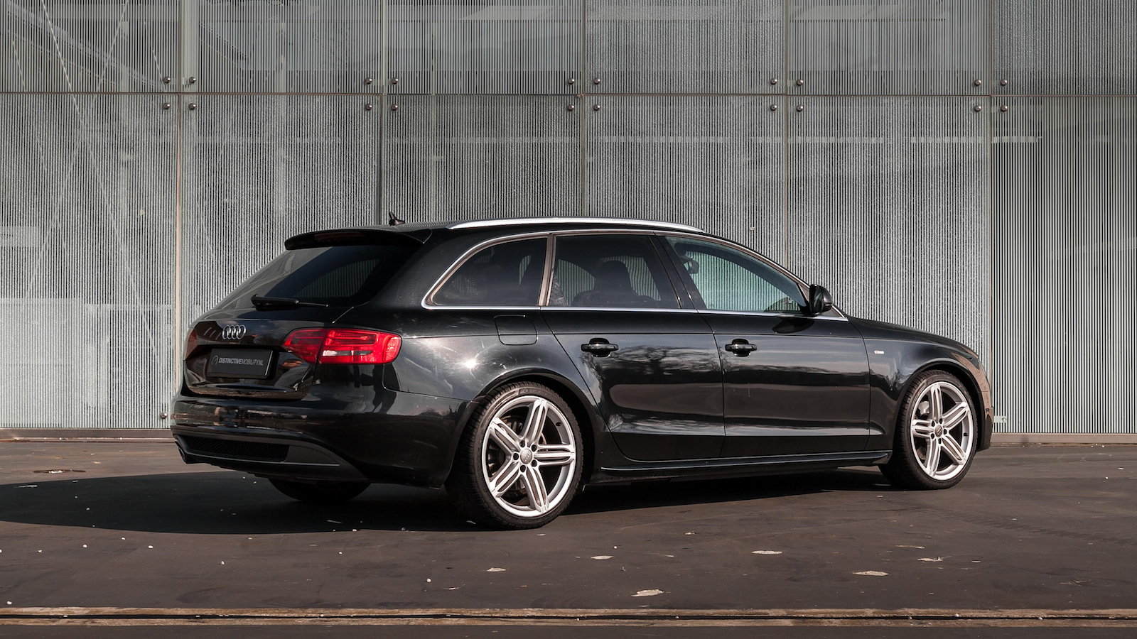 audi a4 avant 2 0 tdi s line automaat distinctive mobility. Black Bedroom Furniture Sets. Home Design Ideas